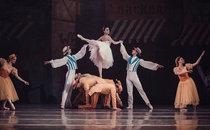 """""""Віденський вальс"""". Балетмейстер-постановник – Аніко Рехвіашвілі, художник –Анатолій Іконніков."""