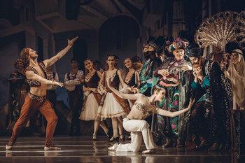 Ланкедем - Олександр Скулкін, Гюльнара - Олеся Шайтанова. Фото Оксани Орлової.