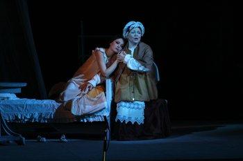 Татьяна - Тамара Калінкіна, няня - Марія Березовська. Фото В. Давиденка.