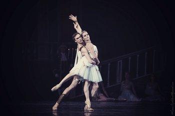 Лілея – Наталя Лазебнікова, Князь – Сергій Кривоконь. Фото О. Орлової.