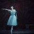 """У партії Аннель в балеті """"Віденський вальс"""" на музику Штраусів."""